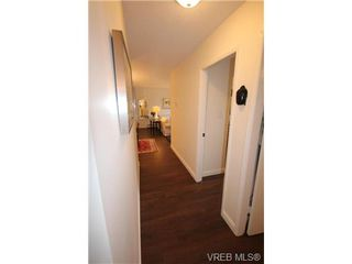 Photo 17: 205 1050 Park Blvd in VICTORIA: Vi Fairfield West Condo for sale (Victoria)  : MLS®# 702718