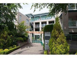 """Main Photo: 204 2555 W 4TH Avenue in Vancouver: Kitsilano Condo for sale in """"THE SEAGATE"""" (Vancouver West)  : MLS®# V1134760"""