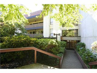 "Photo 17: 106 1955 WOODWAY Place in Burnaby: Brentwood Park Condo for sale in ""DOUGLAS VIEW"" (Burnaby North)  : MLS®# V1137770"