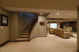Photo 48: 71 McDowell Drive in Winnipeg: Charleswood Residential for sale (South Winnipeg)  : MLS®# 1600741