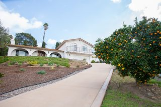 Photo 2: LA MESA House for sale : 4 bedrooms : 9541 Tropico Dr.