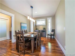 Photo 7: 898 Lakeside Pl in VICTORIA: La Florence Lake House for sale (Langford)  : MLS®# 727364