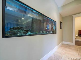 Photo 4: 898 Lakeside Pl in VICTORIA: La Florence Lake House for sale (Langford)  : MLS®# 727364