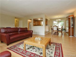 Photo 5: 3349 Betula Place in VICTORIA: Co Triangle Single Family Detached for sale (Colwood)  : MLS®# 367021