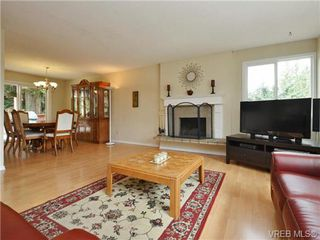 Photo 3: 3349 Betula Place in VICTORIA: Co Triangle Single Family Detached for sale (Colwood)  : MLS®# 367021