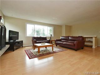 Photo 4: 3349 Betula Place in VICTORIA: Co Triangle Single Family Detached for sale (Colwood)  : MLS®# 367021