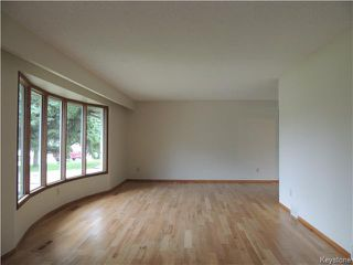 Photo 4: 30 Kinkora Drive in Winnipeg: Charleswood Residential for sale (1F)  : MLS®# 1621329