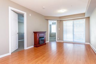 "Photo 6: 314 33960 OLD YALE Road in Abbotsford: Central Abbotsford Condo for sale in ""OLD YALE HEIGHTS"" : MLS®# R2105379"