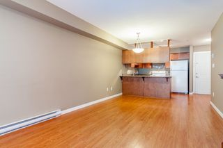 "Photo 4: 314 33960 OLD YALE Road in Abbotsford: Central Abbotsford Condo for sale in ""OLD YALE HEIGHTS"" : MLS®# R2105379"