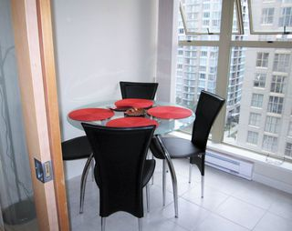 """Photo 4: 1201 969 RICHARDS Street in Vancouver: Downtown VW Condo for sale in """"MONDRIAN 2"""" (Vancouver West)  : MLS®# R2116283"""