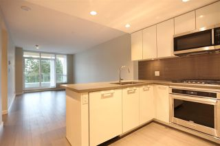 "Photo 4: 805 3093 WINDSOR Gate in Coquitlam: New Horizons Condo for sale in ""THE WINDSOR BY POLYGON"" : MLS®# R2117559"