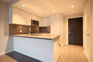 "Photo 2: 805 3093 WINDSOR Gate in Coquitlam: New Horizons Condo for sale in ""THE WINDSOR BY POLYGON"" : MLS®# R2117559"