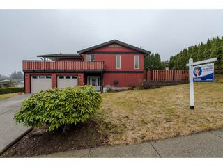 Photo 1: 3662 HURST Crescent in Abbotsford: Abbotsford East House for sale : MLS®# R2139674