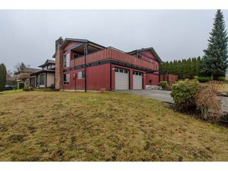 Photo 2: 3662 HURST Crescent in Abbotsford: Abbotsford East House for sale : MLS®# R2139674