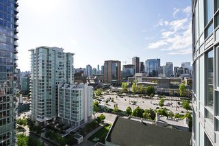 Photo 2: 1802 602 CITADEL PARADE in : Downtown VW Condo for sale : MLS®# V1063248