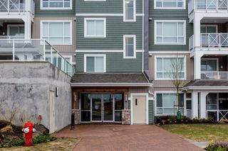 "Photo 5: # 414 -16388 64 Avenue in Surrey: Cloverdale BC Condo for sale in ""THE RIDGE AT BOSE FARMS"" (Cloverdale)  : MLS®# R2143424"