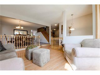 Photo 4: 263 EDGELAND Road NW in Calgary: Edgemont House for sale : MLS®# C4102245
