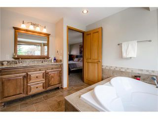 Photo 20: 263 EDGELAND Road NW in Calgary: Edgemont House for sale : MLS®# C4102245