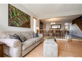 Photo 3: 263 EDGELAND Road NW in Calgary: Edgemont House for sale : MLS®# C4102245