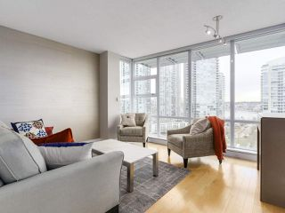 "Photo 4: 1206 638 BEACH Crescent in Vancouver: Yaletown Condo for sale in ""ICON I"" (Vancouver West)  : MLS®# R2148228"