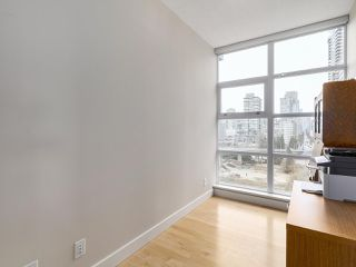 "Photo 15: 1206 638 BEACH Crescent in Vancouver: Yaletown Condo for sale in ""ICON I"" (Vancouver West)  : MLS®# R2148228"