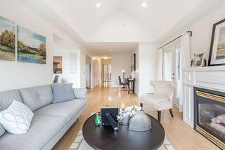 Photo 2: 305 5626 LARCH Street in Vancouver: Kerrisdale Condo for sale (Vancouver West)  : MLS®# R2152560