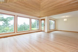 Photo 2: 109 2829 Arbutus Rd in VICTORIA: SE Ten Mile Point Row/Townhouse for sale (Saanich East)  : MLS®# 761973
