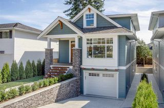 Photo 1: 15520 RUSSELL Avenue: White Rock House for sale (South Surrey White Rock)  : MLS®# R2193188