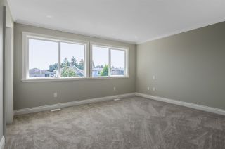 Photo 10: 15520 RUSSELL Avenue: White Rock House for sale (South Surrey White Rock)  : MLS®# R2193188
