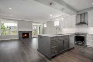 Photo 4: 15520 RUSSELL Avenue: White Rock House for sale (South Surrey White Rock)  : MLS®# R2193188