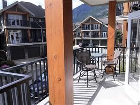 """Photo 2: 3 39758 GOVERNMENT Road in Squamish: Northyards Townhouse for sale in """"Arbourwoods"""" : MLS®# R2198202"""