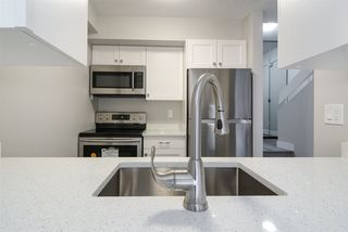 """Photo 5: 106 17720 60 Avenue in Surrey: Cloverdale BC Townhouse for sale in """"Clover Park Gardens"""" (Cloverdale)  : MLS®# R2212954"""