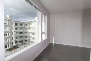 "Photo 5: 427 255 W 1ST Street in North Vancouver: Lower Lonsdale Condo for sale in ""West Quay"" : MLS®# R2213993"