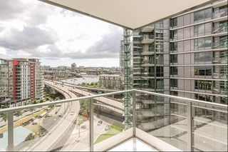 Photo 4: 1258 38 SMITHE STREET in Vancouver: Yaletown Condo for sale (Vancouver West)  : MLS®# R2164835