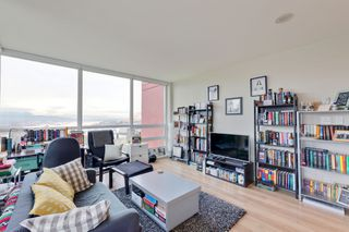 """Photo 5: 1101 125 COLUMBIA Street in New Westminster: Downtown NW Condo for sale in """"NORTHBANK"""" : MLS®# R2231042"""