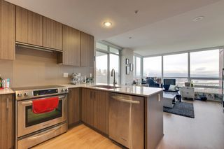"""Photo 8: 1101 125 COLUMBIA Street in New Westminster: Downtown NW Condo for sale in """"NORTHBANK"""" : MLS®# R2231042"""
