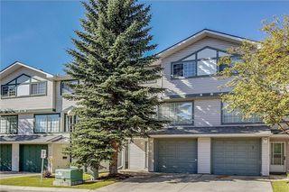 Main Photo: 9 KINGSLAND Villa(s) SW in Calgary: Kingsland House for sale : MLS®# C4147504