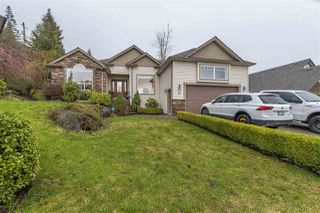 Photo 1: 8829 COPPER RIDGE Drive in Chilliwack: Chilliwack Mountain House for sale : MLS®# R2238150