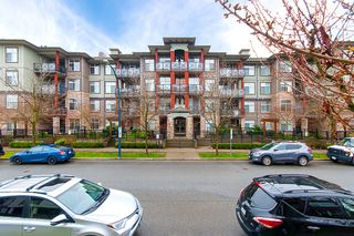 "Photo 3: 113 2336 WHYTE Avenue in Port Coquitlam: Central Pt Coquitlam Condo for sale in ""CENTREPOINTE"" : MLS®# R2255595"