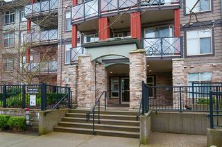 "Photo 4: 113 2336 WHYTE Avenue in Port Coquitlam: Central Pt Coquitlam Condo for sale in ""CENTREPOINTE"" : MLS®# R2255595"
