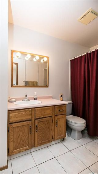 Photo 16: 506 Hall Crescent in Saskatoon: Westview Heights Residential for sale : MLS®# SK730669