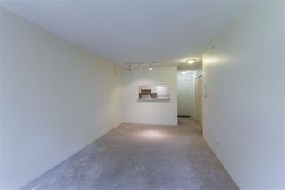 "Photo 3: 208 3455 ASCOT Place in Vancouver: Collingwood VE Condo for sale in ""QUEENS COURT"" (Vancouver East)  : MLS®# R2268064"