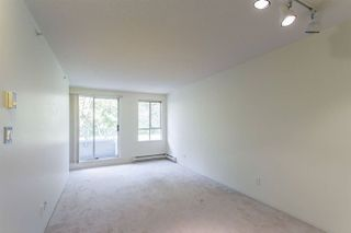 """Photo 4: 208 3455 ASCOT Place in Vancouver: Collingwood VE Condo for sale in """"QUEENS COURT"""" (Vancouver East)  : MLS®# R2268064"""