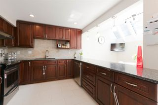 """Photo 5: 8521 TIMBER Court in Burnaby: Forest Hills BN Townhouse for sale in """"Simon Fraser Village"""" (Burnaby North)  : MLS®# R2273172"""