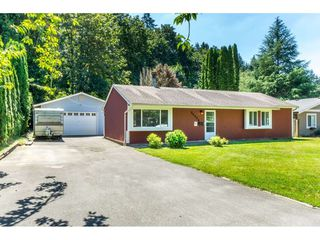 Photo 1: 34824 LABURNUM Avenue in Abbotsford: Abbotsford East House for sale : MLS®# R2288832