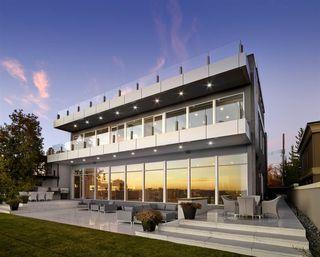 Photo 2: 8606 SASKATCHEWAN Drive in Edmonton: Zone 15 House for sale : MLS®# E4127936
