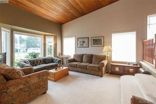 Photo 6: 4164 Beckwith Pl in VICTORIA: SE Lake Hill Single Family Detached for sale (Saanich East)  : MLS®# 797392