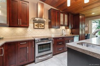 Photo 12: 4164 Beckwith Pl in VICTORIA: SE Lake Hill Single Family Detached for sale (Saanich East)  : MLS®# 797392