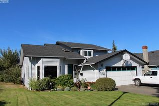 Photo 2: 4164 Beckwith Pl in VICTORIA: SE Lake Hill Single Family Detached for sale (Saanich East)  : MLS®# 797392