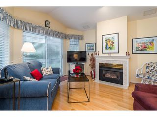 """Photo 7: 114 9208 208 Street in Langley: Walnut Grove Townhouse for sale in """"Churchill Park"""" : MLS®# R2327544"""